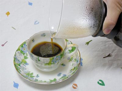 ネルドリップ式でコーヒーを楽しむの一枚目の画像