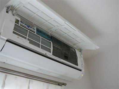 エアコンのフィルター掃除の一枚目の画像