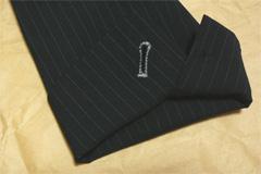 パーフェクトスーツファクトリー(P.S.FA)のエレガントスタイルスーツのジャケット袖口