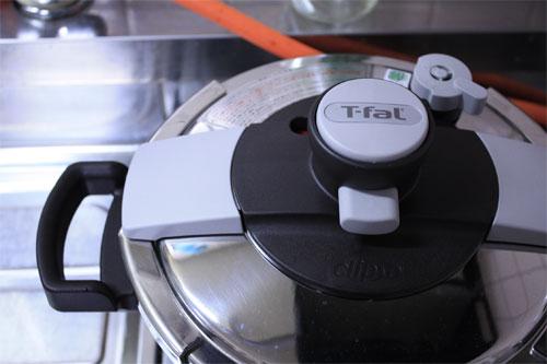 ティファールの圧力鍋「クリプソ プルミエ ベーシック」の感想の一枚目の画像