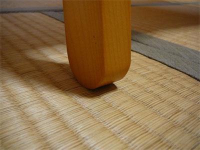 ベルメゾンオリジナルの折りたたみハンガーラックの木材加工