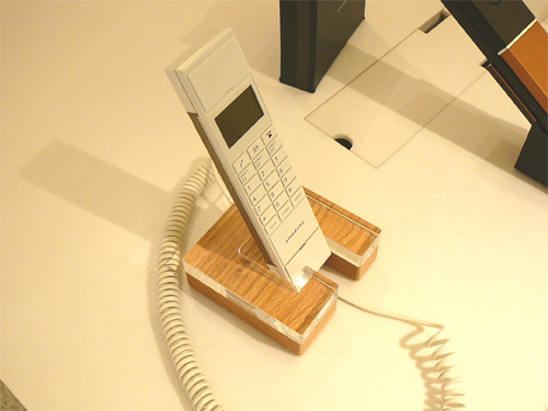 デザイン重視の電話機を探す(3)B&O、プラスマイナスゼロやコノフなどの参考画像