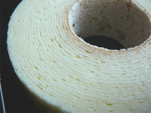 「白いバウム TSUMUGI 」は北海道の「白」がきれいなお菓子の参考画像