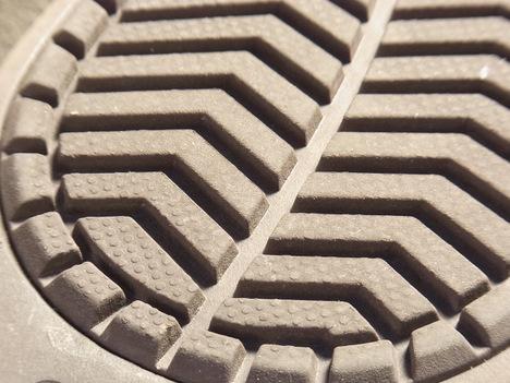 クロックスのブーツ「ベリエッサ」内側比較