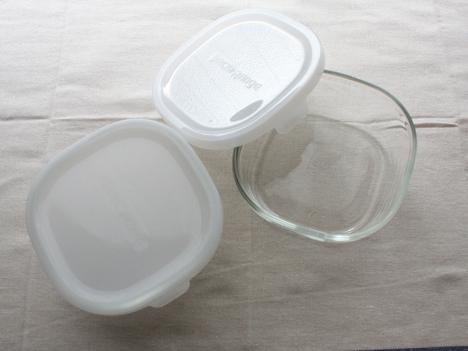 ベルメゾンネットで購入したiwakiの耐熱ガラス保存容器パック&レンジシステム 4点セットのうち450mlの二個