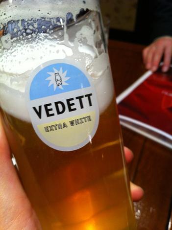 cafe&dining ブライトンベル 御堂筋店で飲んだ「ヴェデット・エクストラ ホワイト」というビールの写真
