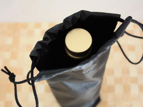 バリアーニグリーンオリーブオイルを遮光袋で保存