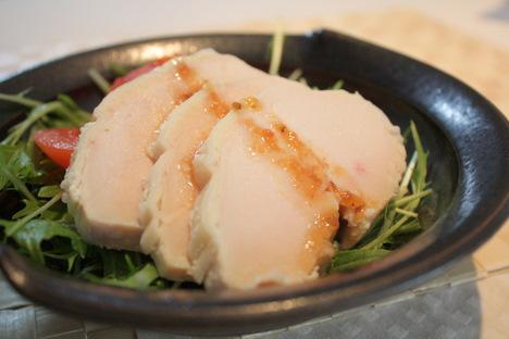 「浅利妙峰が伝える はじめての糀料理」のレシピで作った鶏ハム