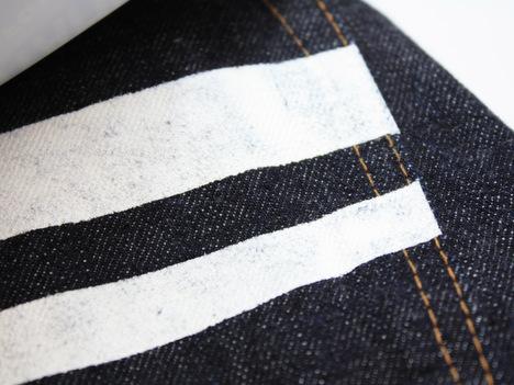 桃太郎ジーンズの出陣レーベル「15.7oz 特濃インディゴ出陣スリムストレート(0805SP)」の尻ポケットのライン