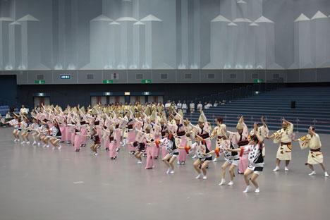 阿波おどり2012へ徳島日帰り旅行(2)-アスティおどりひろばの感想の一枚目の画像