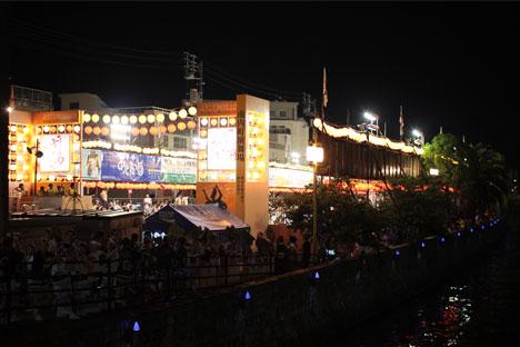 阿波おどり2012へ徳島日帰り旅行(3)-有料演舞場「南内町演舞場」の一枚目の画像