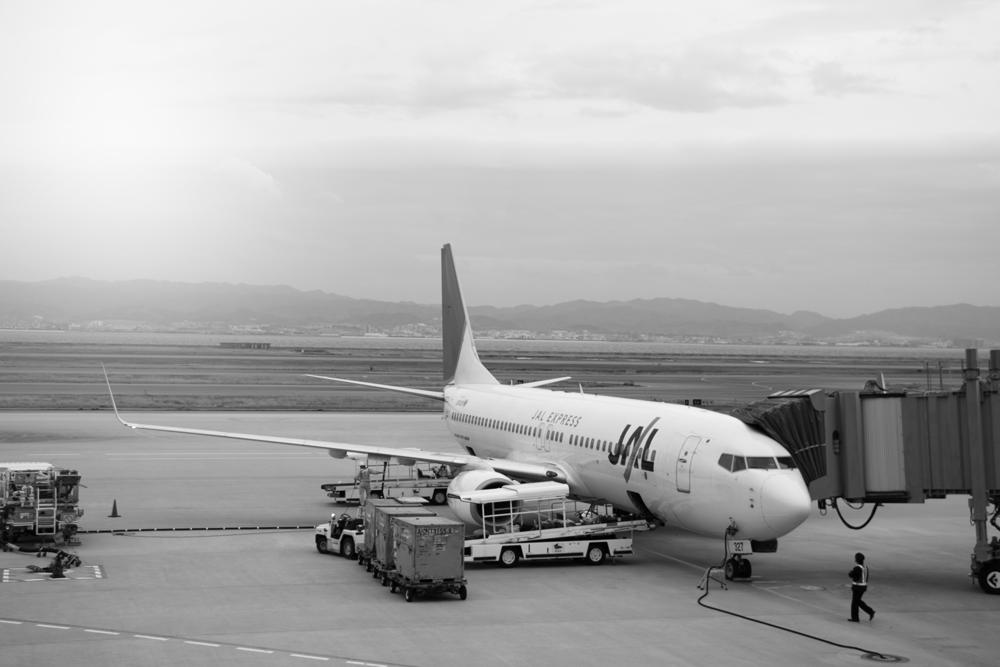 関西国際空港のJAL機